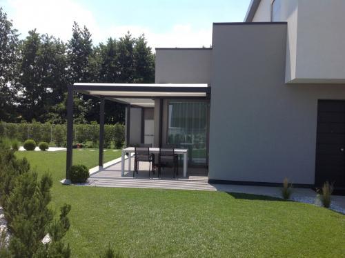pergole-bioclimatiche-esterni-casa-moderna